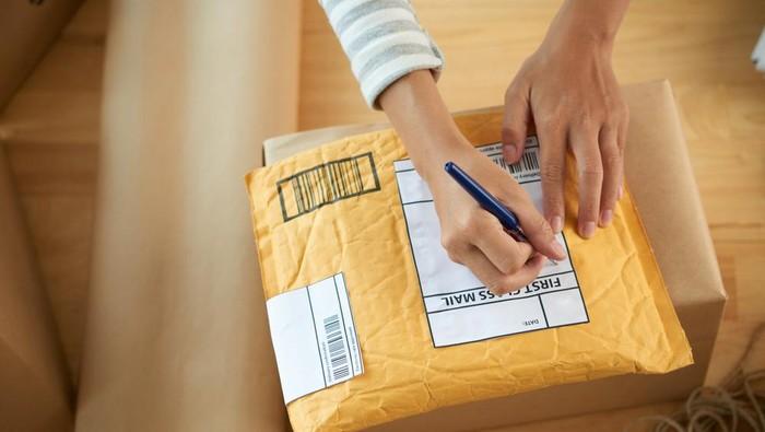 Kirim paket ke Belanda, Kelebihan dari Jalur Udara dan Jalur Laut